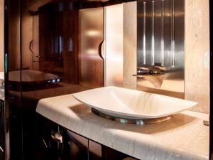 Cessna Citation Longitude - bathroom