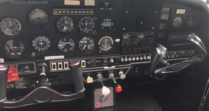 Grumman AA1A-cockpit