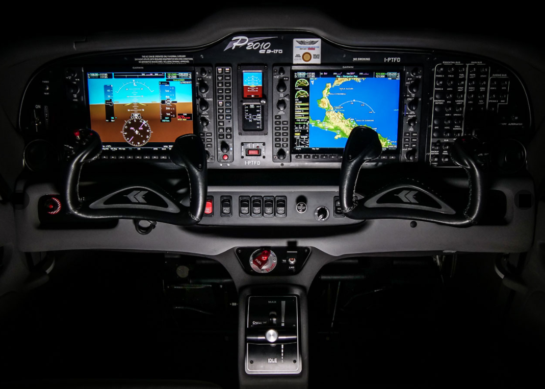 Diesel-Tecnam P2010 TDI - cockpit